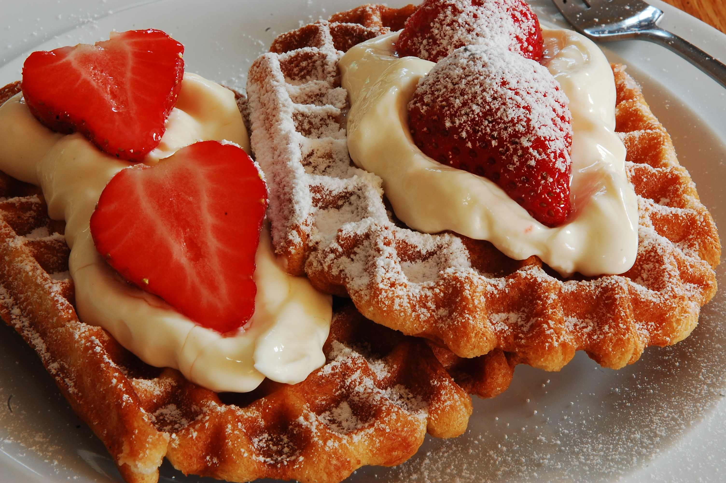 Authentic Belgian waffle recipes, regional and national | European ...